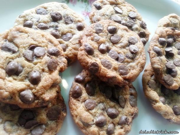 DEIADIETRICH.COM-receita-cookies-gotas-chocolate1