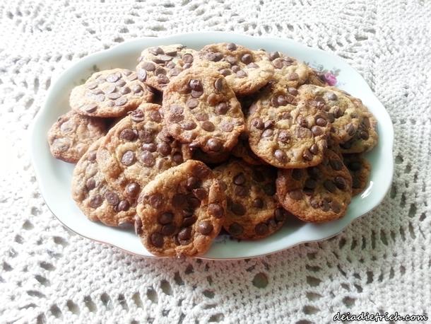 DEIADIETRICH.COM-receita-cookies-gotas-chocolate10